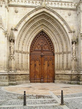 Bilbao Cathedral - Main portal of the Cathedral, in Gothic Revival style.