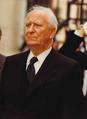 Portrait ministre de l'Intérieur Defferre - Archives nationales (France).png