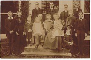 Cecil Fane De Salis - Postcard of Cecil Fane de Salis, and his wife and 13 children, 1912.