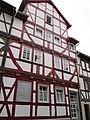 Prächtiges Fachwerk Wohnhaus von 1686 mit Bildhaften Flachschnitzereien - Eschwege Alter Steinweg 30 - panoramio.jpg