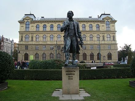 Statue of Antonin Dvorak in Prague. Praga1.jpg