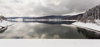 Mavrovo National Park - Image: Presa, lago Mavrovo, Macedonia, 2014 04 17, DD 26