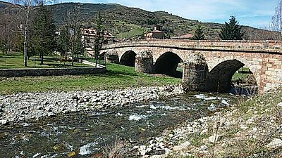 Puente de Fresneda de la Sierra Tirón.jpg