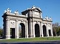 Puerta de Alcalá 02 (4599077819).jpg