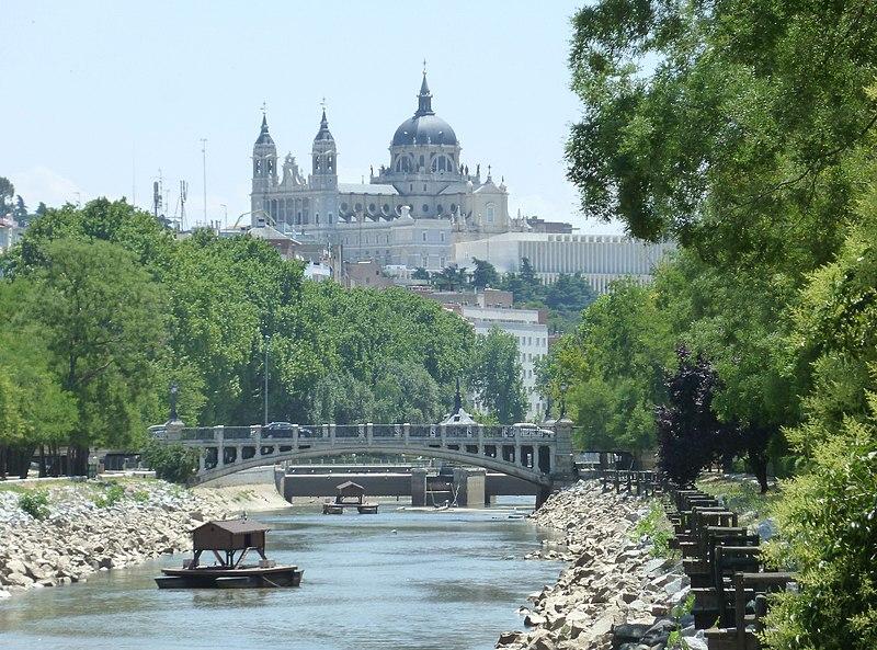 File:Río Manzanares en Madrid 06.jpg