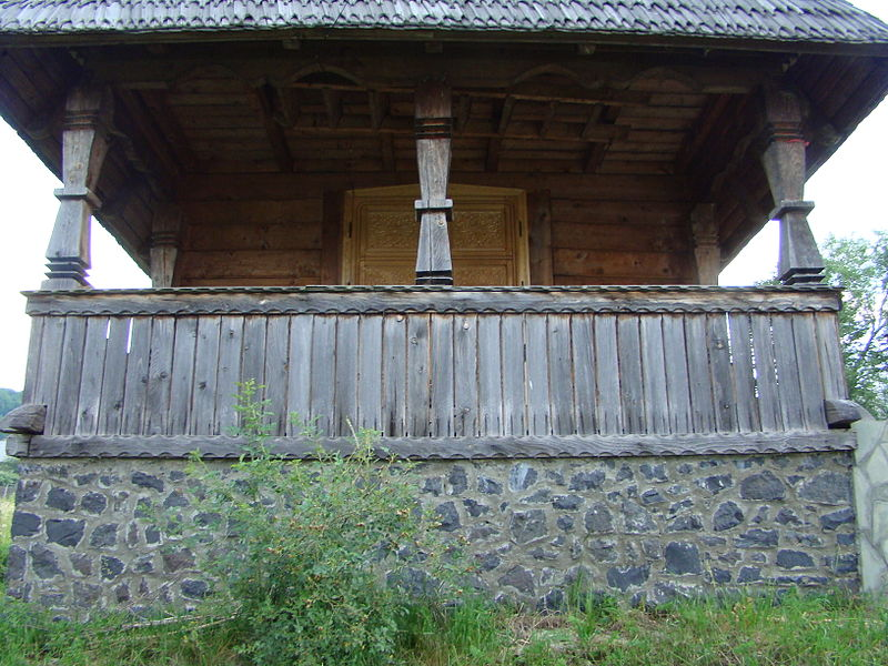 File:RO MM Stoiceni wooden church 7.jpg