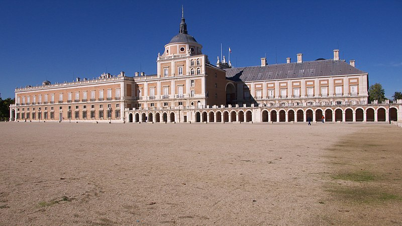 http://upload.wikimedia.org/wikipedia/commons/thumb/0/05/Real_Sitio_de_Aranjuez.jpg/800px-Real_Sitio_de_Aranjuez.jpg