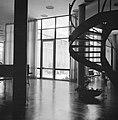 Rehovot. Weizmann Institute interieur van het gebouw waarin ondergebracht de bi, Bestanddeelnr 255-3912.jpg