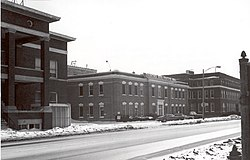 Reo clubhouse factory engineering 1977.jpg