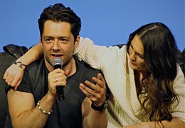 Richard Rankin Sophie Skelton