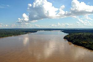 O rio nas proximidades de Porto Velho