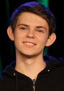 Description de l'image Robbie Kay January 2015.jpg.