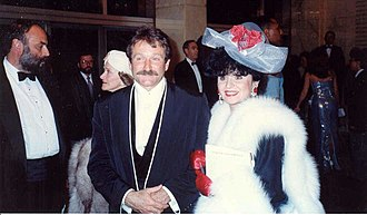 Robin Williams - Williams and Yola Czaderska-Hayek at the 62nd Academy Awards in 1990