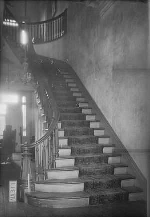 Rocky Hill Castle - The main staircase in the entrance hall
