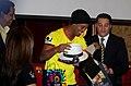 Ronaldinho - Barcelona Sporting Club (24325445899).jpg