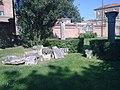 Rovine nel giardino della Palazzina di Marfisa d'Este (Ferrara).jpg
