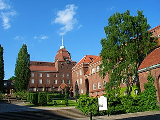 KTH Royal Institute of Technology - Main courtyard in summer