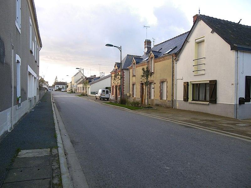 Rue de fontaine couverte