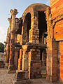 Ruins in the Qutub Complex.JPG