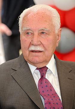 Ryszard Kaczorowski 2008.JPG