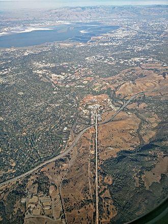 SLAC National Accelerator Laboratory - Image: SLAC aerial