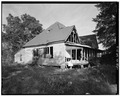 SOUTH SIDE AND EAST FRONT OF HOUSE - Dye-White Farm, County Road 244, Heardmont, Elbert County, GA HABS GA,53-HEAR.V,2-2.tif