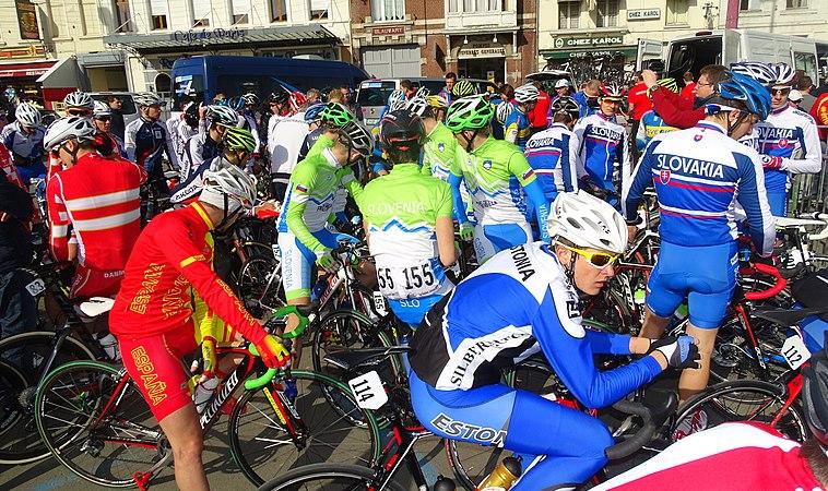 Saint-Amand-les-Eaux - Paris-Roubaix juniors, 12 avril 2015, départ (A35).JPG