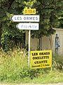 Saint-Aubin-Château-Neuf-FR-89-panneaux vers Les Ormes-a1.jpg