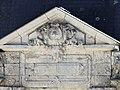 Saint-Front-de-Pradoux Beaufort porte fronton.jpg