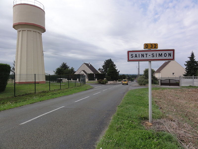 Saint-Simon (Aisne) city limit sign and water tower