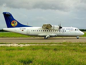Santa Bárbara Airlines Flight 518 - Image: Santa Barbara Airlines ATR ATR 42 320 Callens 1