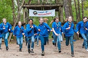 Scouting Nederland - Image: Scouts van Scouting Nederland rennen
