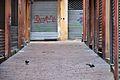 Serrande chiuse Domenica Mattina - Vicolo Ranocchi, Bologna, Italia - 13 Febbraio 2011 - panoramio.jpg