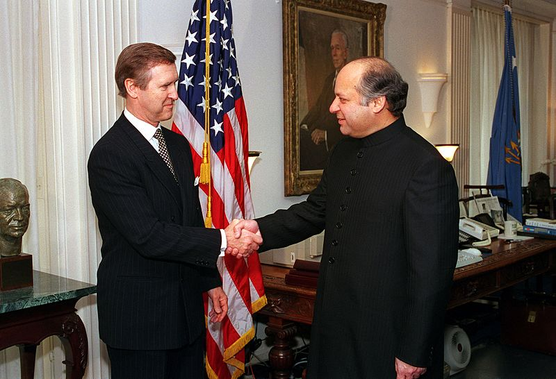 Sharif meets Cohen in 1998.jpg