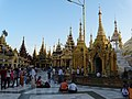 Shvedagon stupa 6.jpg