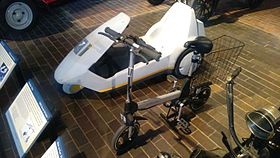 Sinclair Zike and C5 at Beaulieu Motor Museum 20160403.jpg
