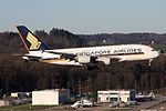 Singapore Airlines Airbus A380-841 9V-SKL (22056344185).jpg
