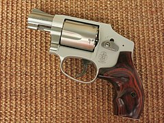 Smith & Wesson Model 642 LS Ladysmith (29989261691).jpg