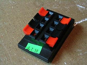 Speaker terminal - Easy push speaker grip connector terminal