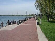 Spencer Smith Park in Burlington, Ontario.jpg