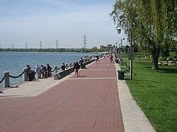 Spencer Smith Park sur la akvorando de Burlington
