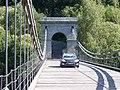 Stádlecký most, k dobřejické straně, s autem (01).jpg