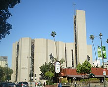 St. Basil Catholic Church (Los Angeles, California).JPG