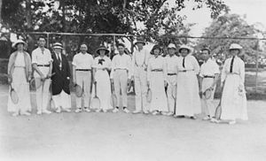 English: Tennis players in Shorncliffe, ca. 1917.