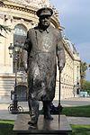 Statue Churchill Petit Palais Paris 2.jpg