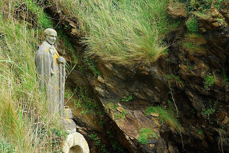Statue de Gildas à côté du Grand-Mont