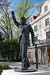 Statue of Nelson Mandela, Washington, D.C.jpg