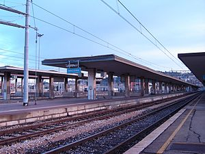 Ancona railway station - View of the platforms.