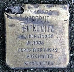 Photo of Gertrud Lipkowitz brass plaque