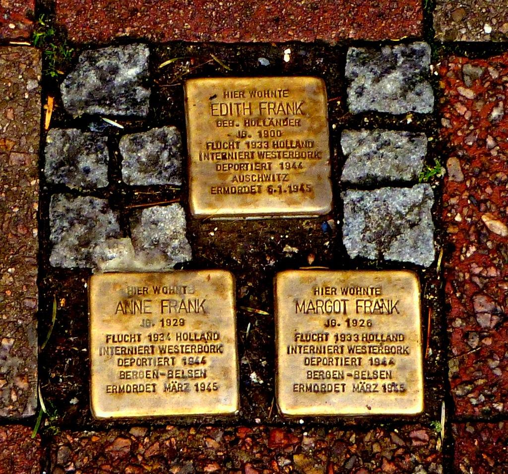 Stolpersteine Familie Frank - Aachen.JPG